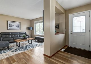 Photo 3: 20 Everridge Road SW in Calgary: Evergreen Detached for sale : MLS®# A1121337