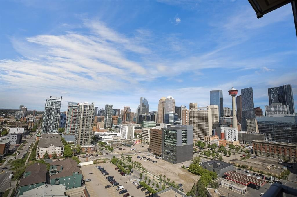 Main Photo: 1705 1320 1 Street SE in Calgary: Beltline Apartment for sale : MLS®# A1110899