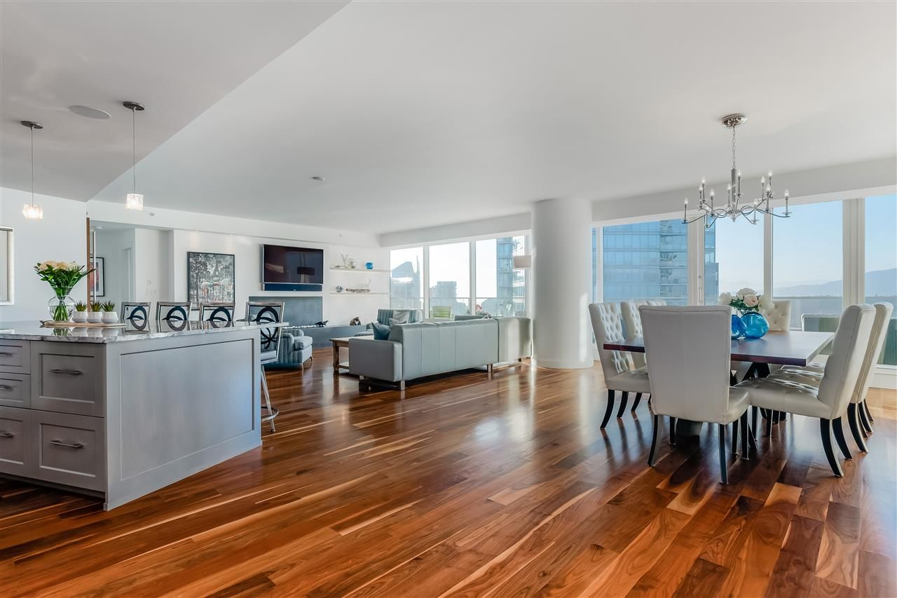 "Main Photo: 3706 1011 W CORDOVA Street in Vancouver: Coal Harbour Condo for sale in ""Fairmont Pacific Rim"" (Vancouver West)  : MLS®# R2560729"