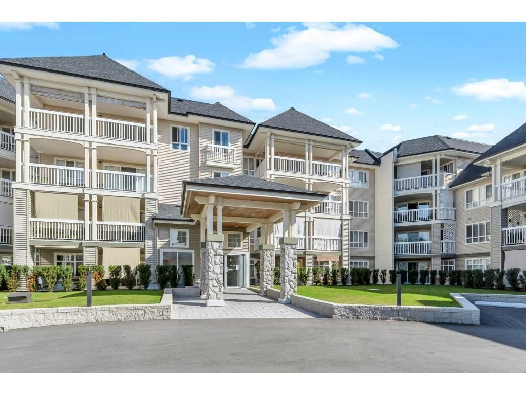 """Main Photo: 117 22022 49 Avenue in Langley: Murrayville Condo for sale in """"Murray Green"""" : MLS®# R2620462"""