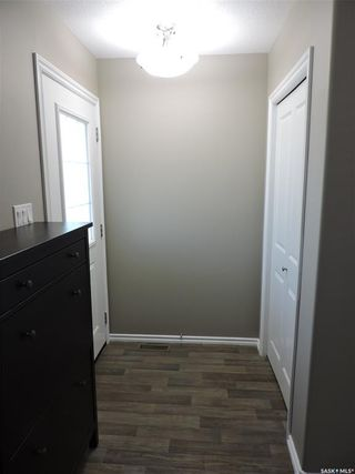 Photo 3: 18 87 Cameron Way in Yorkton: South YO Residential for sale : MLS®# SK820885