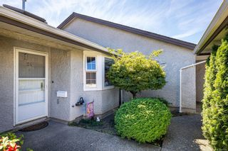 Photo 3: 54 2070 Amelia Ave in : Si Sidney North-East Row/Townhouse for sale (Sidney)  : MLS®# 886006