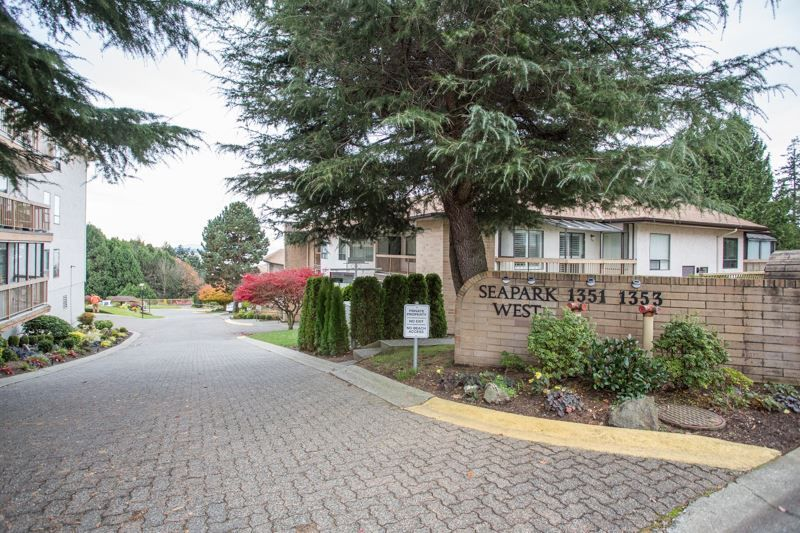 "Main Photo: 309 1353 VIDAL Street: White Rock Condo for sale in ""SEA PARK WEST"" (South Surrey White Rock)  : MLS®# R2516122"