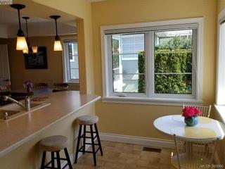 Photo 10: 2063 Kings Rd in VICTORIA: OB Henderson House for sale (Oak Bay)  : MLS®# 785216