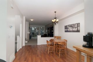 Photo 8: 19 55 HAWTHORN DRIVE in Port Moody: Heritage Woods PM Townhouse for sale : MLS®# R2048256