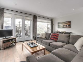"Photo 2: 4 249 W 16TH Street in North Vancouver: Central Lonsdale 1/2 Duplex for sale in ""THE WEST"" : MLS®# R2262955"