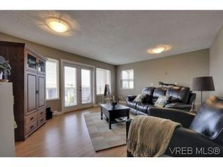 Photo 14: 857 Rainbow Cres in : SE High Quadra House for sale (Saanich East)  : MLS®# 534350