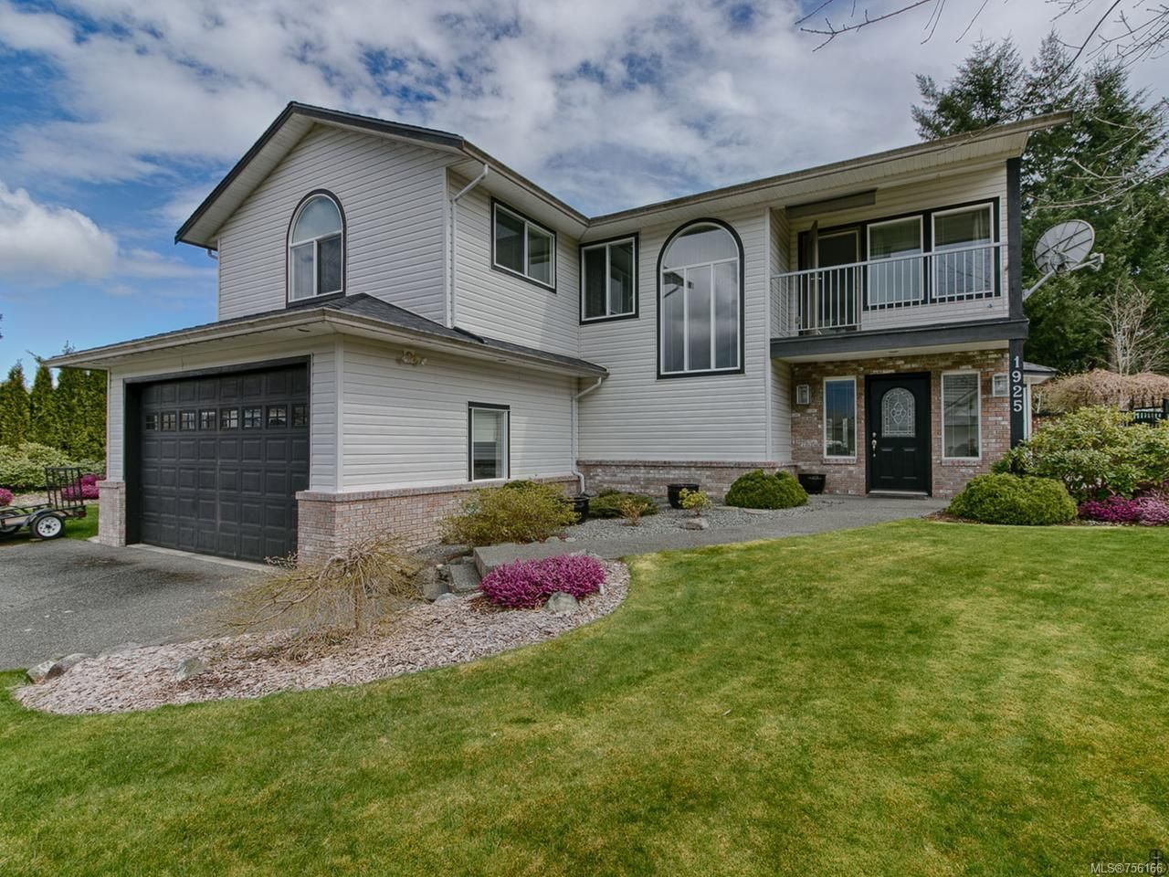 Main Photo: 1925 Sandtrap Pl in CAMPBELL RIVER: CR Campbell River West House for sale (Campbell River)  : MLS®# 756166