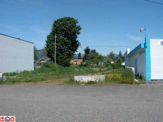 Photo 1: 46173 FOURTH Avenue in CHILLIWACK: Chilliwack E Young-Yale Home for sale (Chilliwack)  : MLS®# H3120095