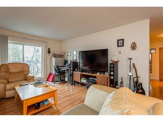 """Photo 3: 108 33850 FERN Street in Abbotsford: Central Abbotsford Condo for sale in """"Fernwood Manor"""" : MLS®# R2430522"""