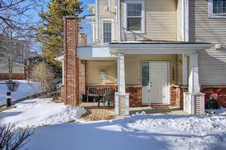 Photo 2: 1202 7171 Coach Hill Road SW in Calgary: Coach Hill Row/Townhouse for sale : MLS®# A1070800