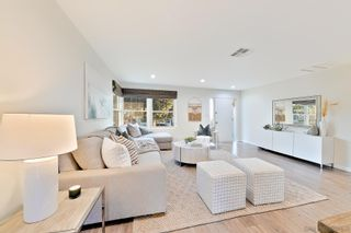 Photo 7: PACIFIC BEACH House for sale : 4 bedrooms : 1828 Law St in San Diego
