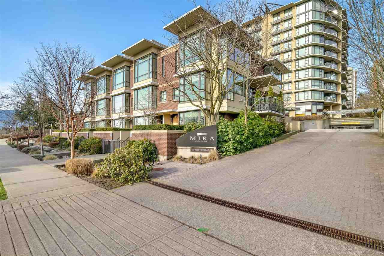 "Main Photo: 180 W 6TH Street in North Vancouver: Lower Lonsdale Townhouse for sale in ""Mira On The Park"" : MLS®# R2544146"