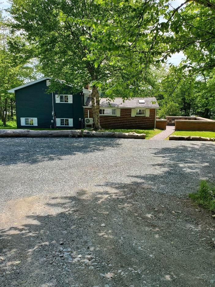 FEATURED LISTING: 233 Rosehip Lane Lake Echo