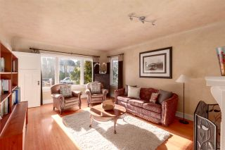 Photo 2: 327 W 22ND Avenue in Vancouver: Cambie House for sale (Vancouver West)  : MLS®# R2336067