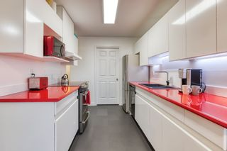 "Photo 6: 212 14998 101A Avenue in Surrey: Guildford Condo for sale in ""CARTIER PLACE"" (North Surrey)  : MLS®# R2427256"