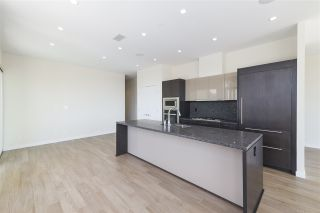 """Photo 9: 702 768 ARTHUR ERICKSON Place in West Vancouver: Park Royal Condo for sale in """"EVELYN - Forest's Edge PENTHOUSE"""" : MLS®# R2549644"""