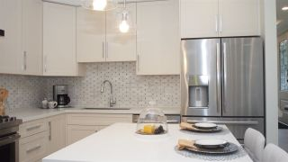 """Photo 5: 1838 W 12TH Avenue in Vancouver: Kitsilano Townhouse for sale in """"THE FOX HOUSE"""" (Vancouver West)  : MLS®# R2220651"""