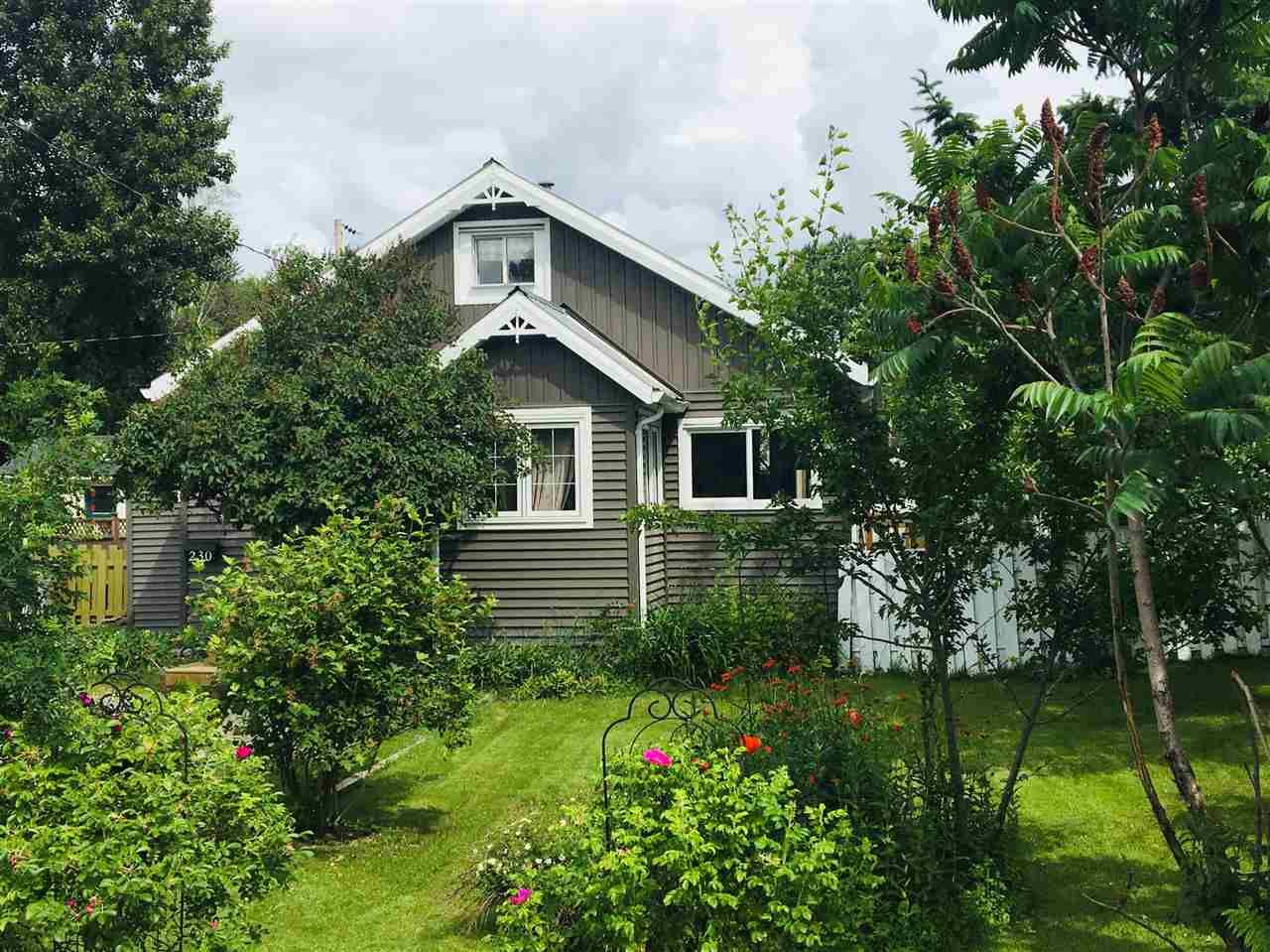 Photo 1: Photos: 230 BAKER Drive in Quesnel: Quesnel - Town House for sale (Quesnel (Zone 28))  : MLS®# R2481471