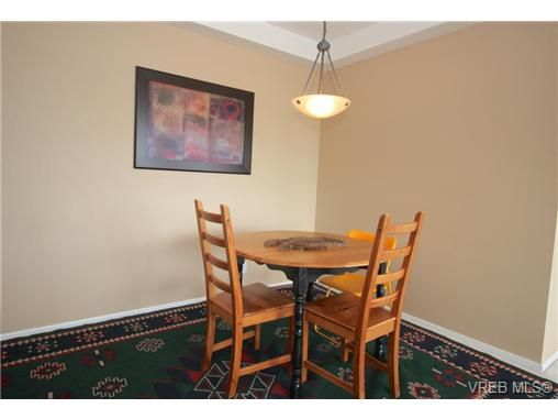Photo 7: Photos: 1106 1020 View St in VICTORIA: Vi Downtown Condo for sale (Victoria)  : MLS®# 701380
