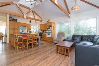 Photo 7: 9320/9316 Lochside Dr in : NS Bazan Bay House for sale (North Saanich)  : MLS®# 886022