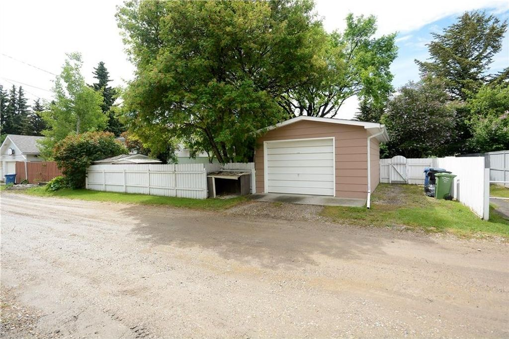 Photo 30: Photos: 3148 BREEN Crescent NW in Calgary: Brentwood House for sale : MLS®# C4121729