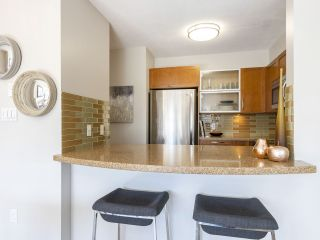 "Photo 8: 302 3161 W 4TH Avenue in Vancouver: Kitsilano Condo for sale in ""Bridgewater"" (Vancouver West)  : MLS®# R2443510"