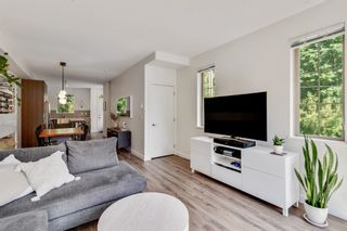 """Photo 4: 18 433 SEYMOUR RIVER Place in North Vancouver: Seymour NV Townhouse for sale in """"MAPLEWOOD"""" : MLS®# R2585787"""
