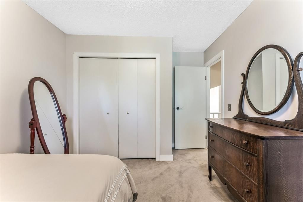 Photo 31: Photos: 84 WOODBROOK Close SW in Calgary: Woodbine Detached for sale : MLS®# A1037845