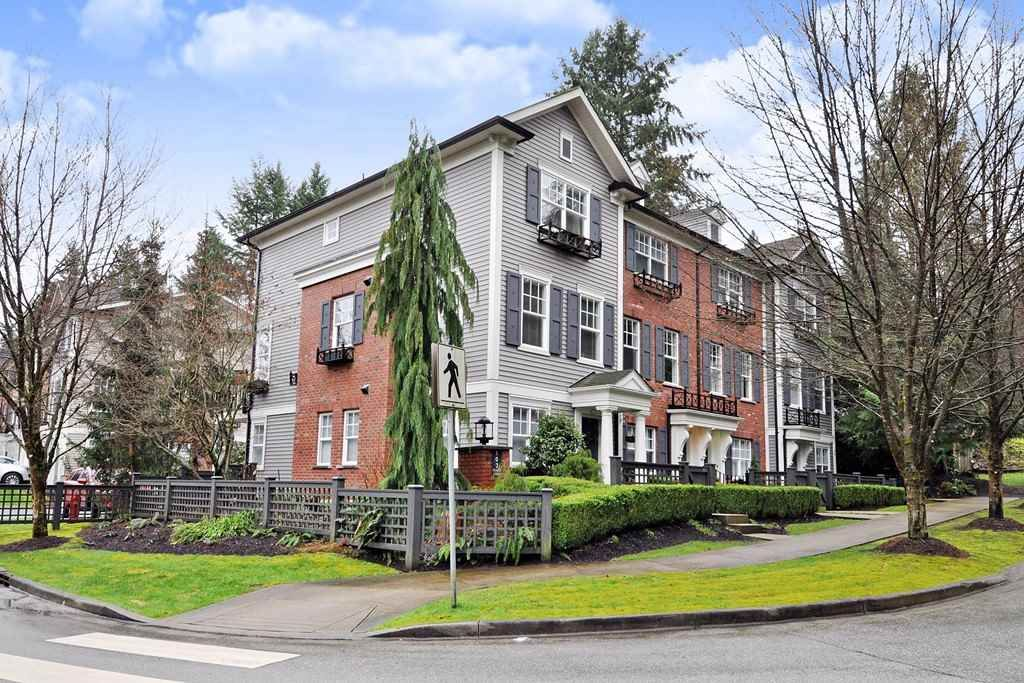 Main Photo: 36 102 FRASER STREET in Port Moody: Port Moody Centre Townhouse for sale : MLS®# R2442007