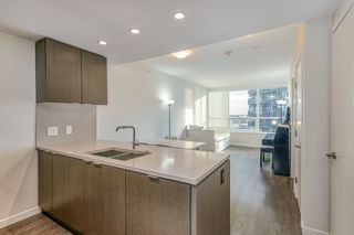 """Photo 3: 905 112 E 13TH Street in North Vancouver: Central Lonsdale Condo for sale in """"CENTREVIEW"""" : MLS®# R2566516"""