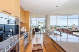 """Photo 14: 1301 1473 JOHNSTON Road: White Rock Condo for sale in """"Miramar Towers"""" (South Surrey White Rock)  : MLS®# R2174785"""
