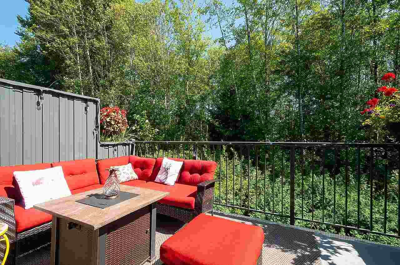 """Main Photo: 12 18681 68 Avenue in Surrey: Clayton Townhouse for sale in """"Creekside"""" (Cloverdale)  : MLS®# R2391665"""