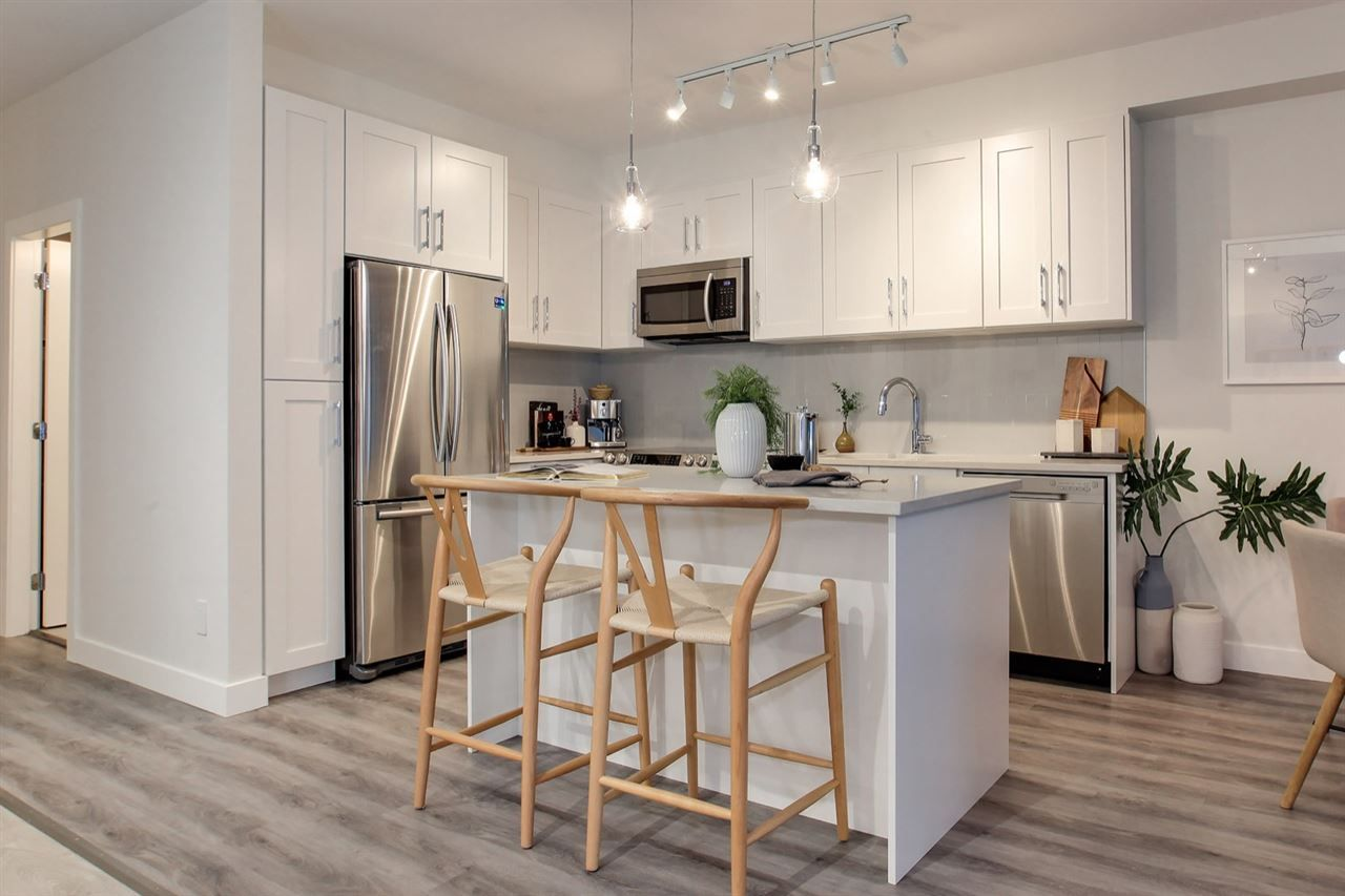 """Photo 4: Photos: 217 20356 72B Avenue in Langley: Willoughby Heights Condo for sale in """"Gala"""" : MLS®# R2552484"""