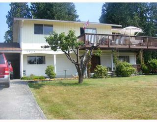 Photo 1: 1024 GRANDVIEW Road in Gibsons: Gibsons & Area House for sale (Sunshine Coast)  : MLS®# V720388