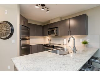 """Photo 9: 113 8915 202 Street in Langley: Walnut Grove Condo for sale in """"THE HAWTHORNE"""" : MLS®# R2444586"""