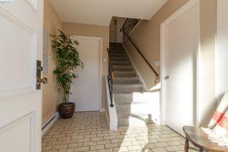 Photo 5: 22 4051 Shelbourne St in VICTORIA: SE Lambrick Park Row/Townhouse for sale (Saanich East)  : MLS®# 828328