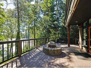 Photo 3: 108 Mills Cove in VICTORIA: VR Six Mile House for sale (View Royal)  : MLS®# 721999