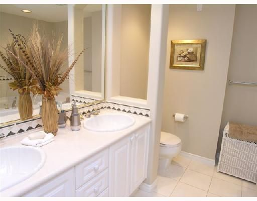 """Photo 6: Photos: 404 1144 STRATHAVEN Drive in North_Vancouver: Northlands Condo for sale in """"STRATHAVEN"""" (North Vancouver)  : MLS®# V744025"""
