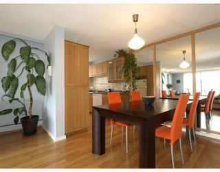 """Photo 3: 303 540 LONSDALE Avenue in North_Vancouver: Lower Lonsdale Condo for sale in """"Grosvenor Place"""" (North Vancouver)  : MLS®# V757552"""