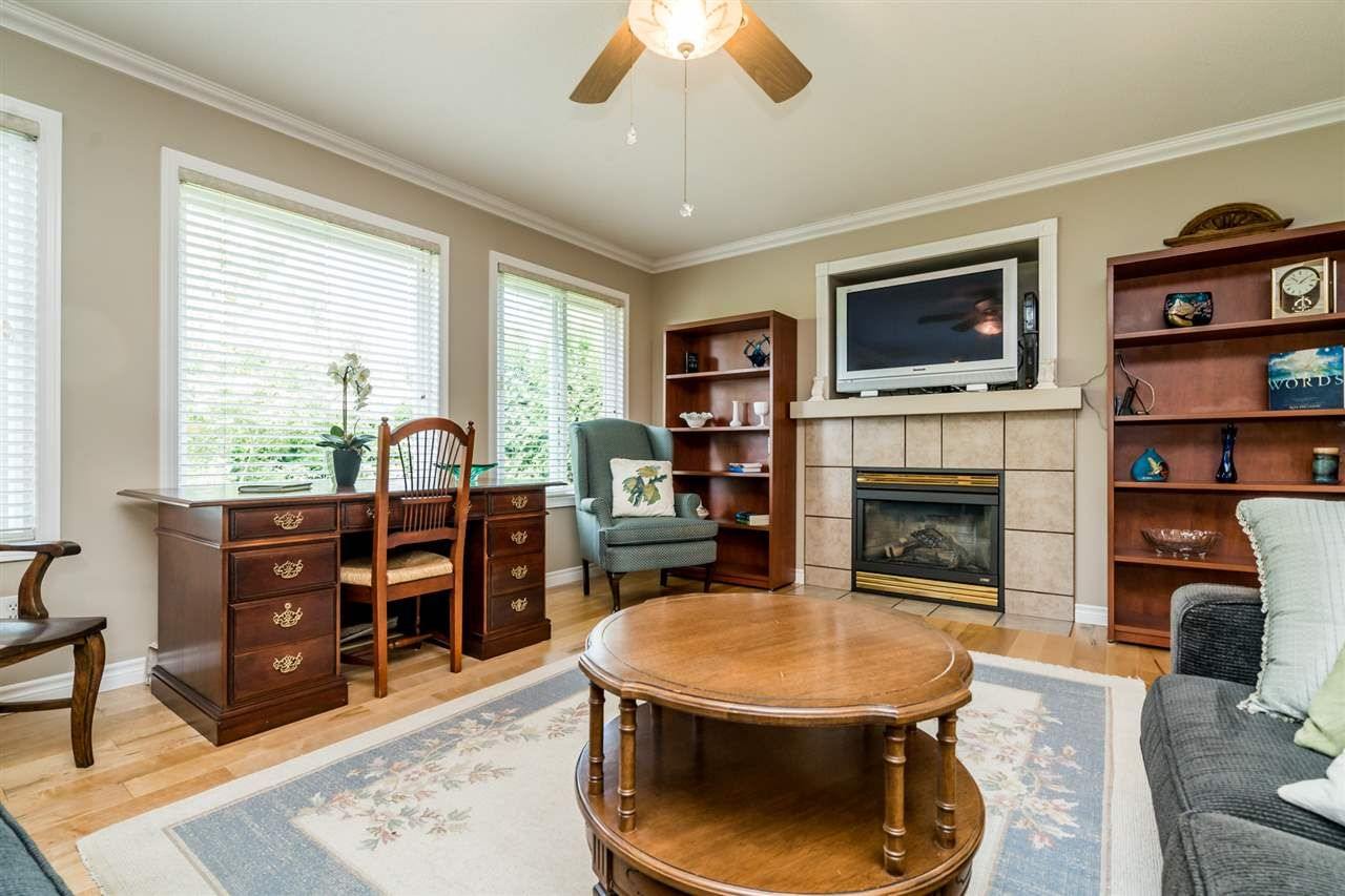 """Photo 14: Photos: 35715 LEDGEVIEW Drive in Abbotsford: Abbotsford East House for sale in """"Ledgeview Estates"""" : MLS®# R2481502"""
