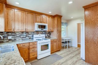 Photo 10: DEL CERRO House for sale : 3 bedrooms : 4997 TWAIN AVE in SAN DIEGO