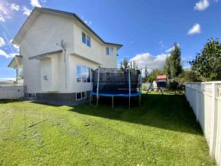 Photo 3: 208 Parkglen Close: Wetaskiwin House for sale : MLS®# E4252924