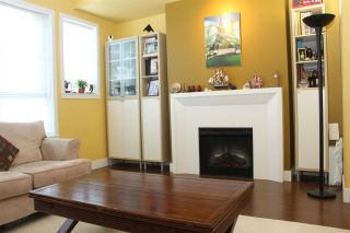 """Photo 7: 3 2450 161A Street in Surrey: Grandview Surrey Townhouse for sale in """"GLENMORE"""" (South Surrey White Rock)  : MLS®# R2590567"""
