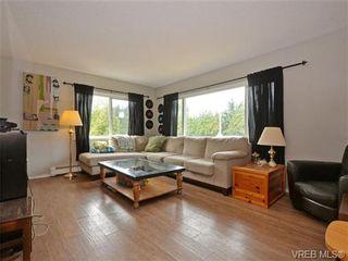 Photo 3: 3995 Arlene Pl in VICTORIA: SW Tillicum House for sale (Saanich West)  : MLS®# 737004