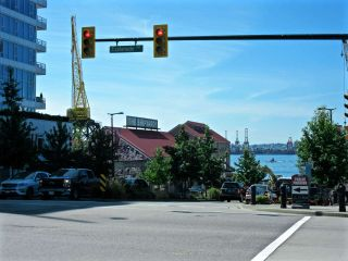 Photo 15: 415 111 E 3RD STREET in North Vancouver: Lower Lonsdale Condo for sale : MLS®# R2078516