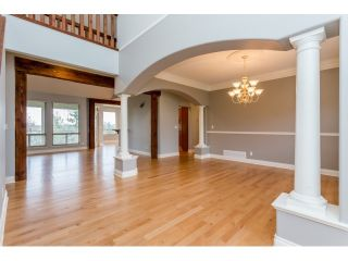 Photo 6: 18678 53A AVENUE in Cloverdale: Cloverdale BC House for sale ()  : MLS®# R2028756