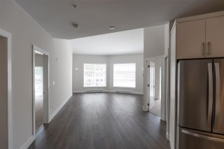 Photo 2: 408 14605 MCDOUGALL Drive in Surrey: Elgin Chantrell Condo for sale (South Surrey White Rock)  : MLS®# R2564482