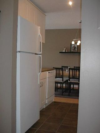 Photo 6: FABULOUS RENOVATED 2-BR IN FAIRVIEW!