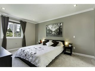 """Photo 8: 1447 E 21ST Avenue in Vancouver: Knight 1/2 Duplex for sale in """"Cedar Cottage"""" (Vancouver East)  : MLS®# V1066306"""